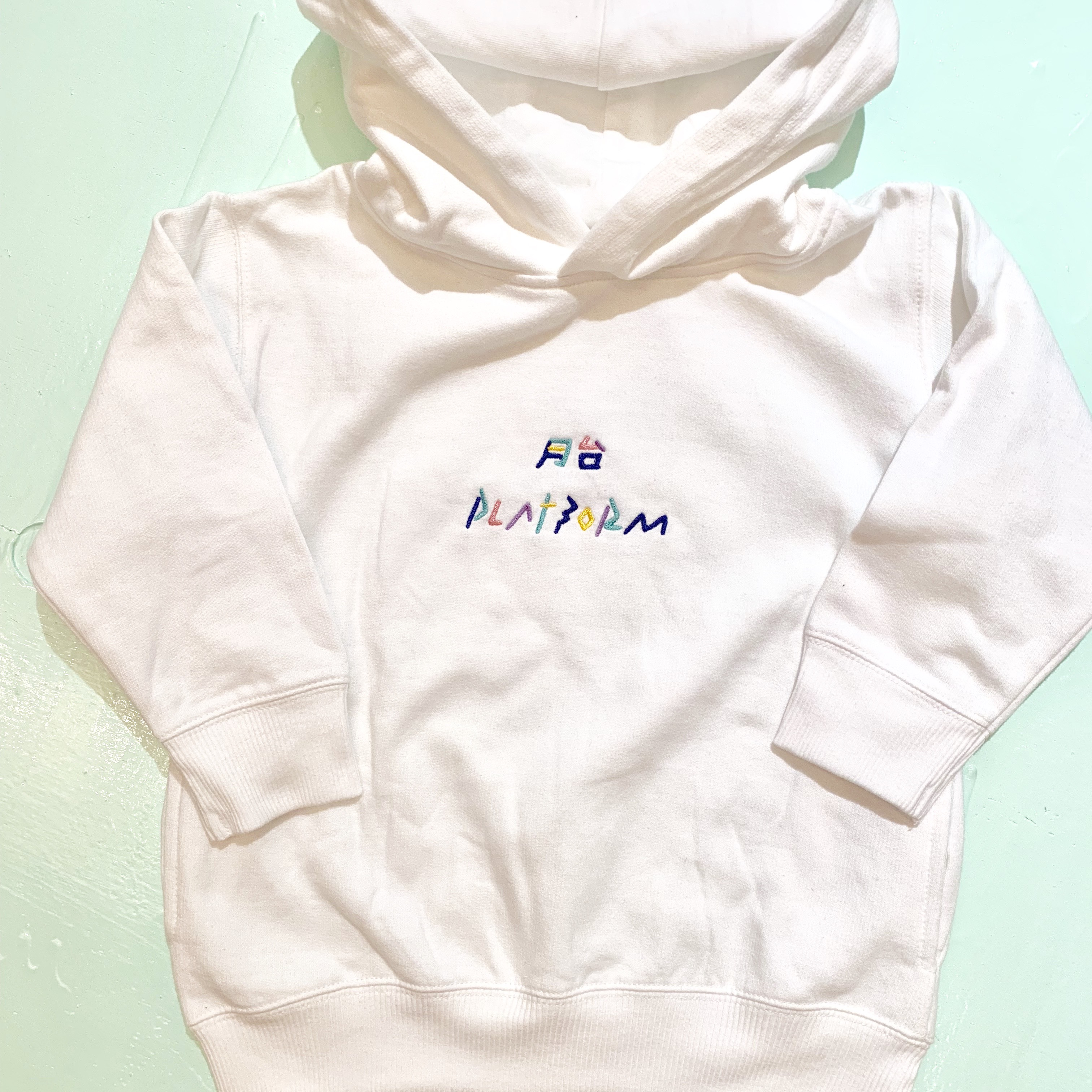 [KIDS]PLATFORMロゴプルオーバーパーカ PF-05k