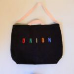 ONION Embroidery Multicolor Messenger Tote  BLACK