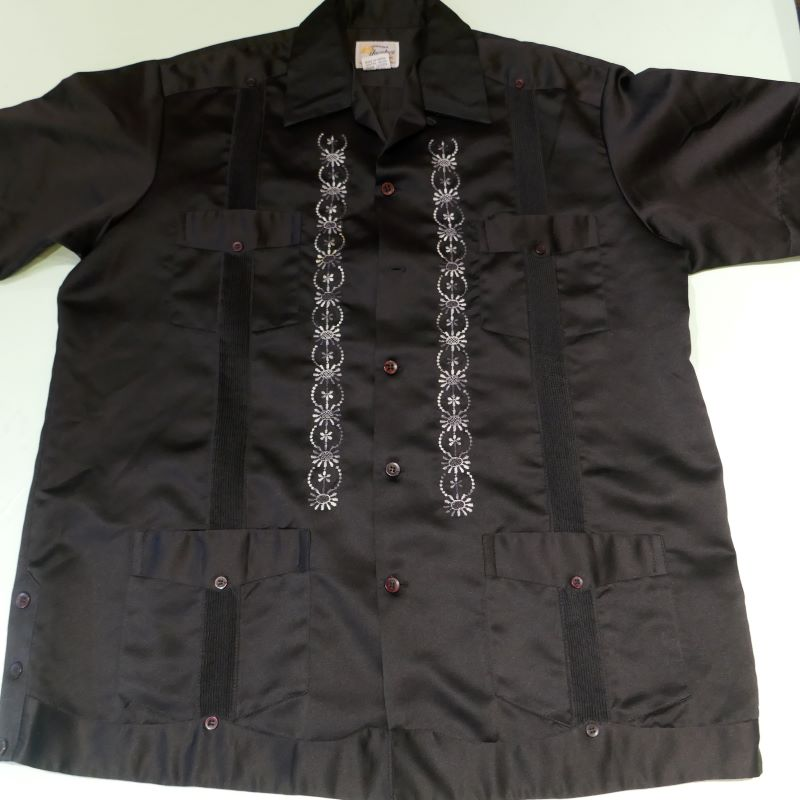 USED GENUINA YUCATECA S/S GUAYABERA SHIRT BLACK