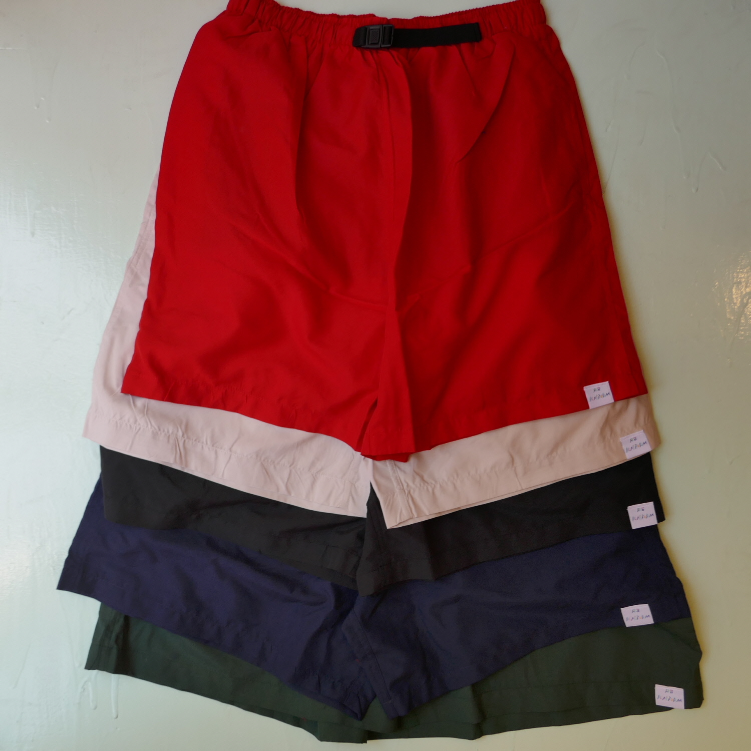 PLATFORM COLOR MICROFIBER SHORT PANTS