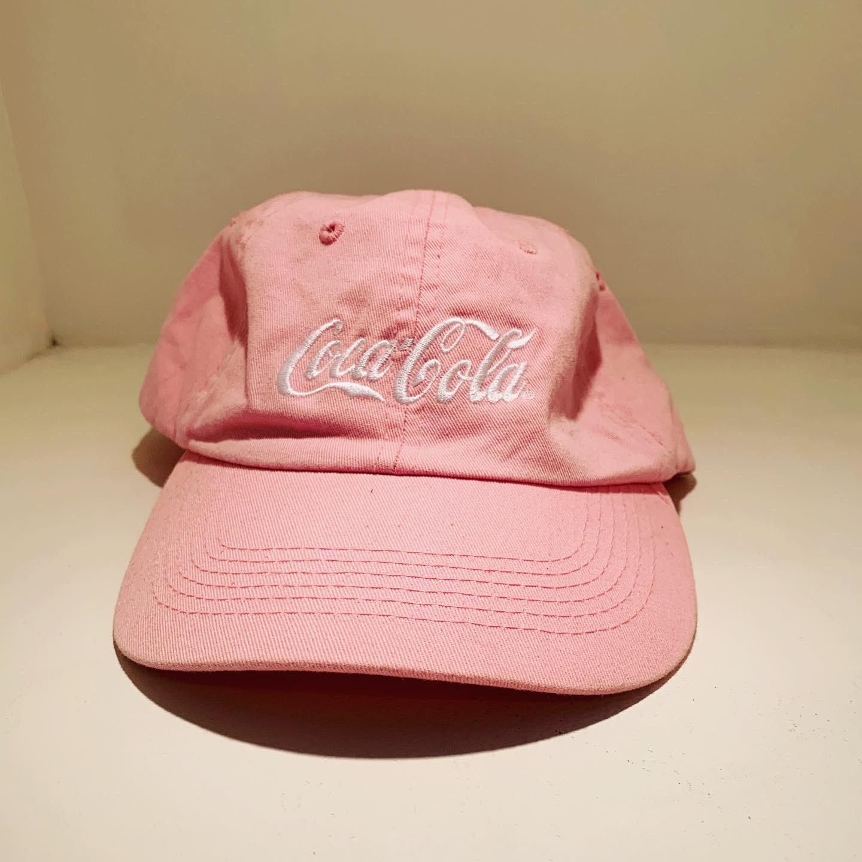USED COCA COLA CAP PINK