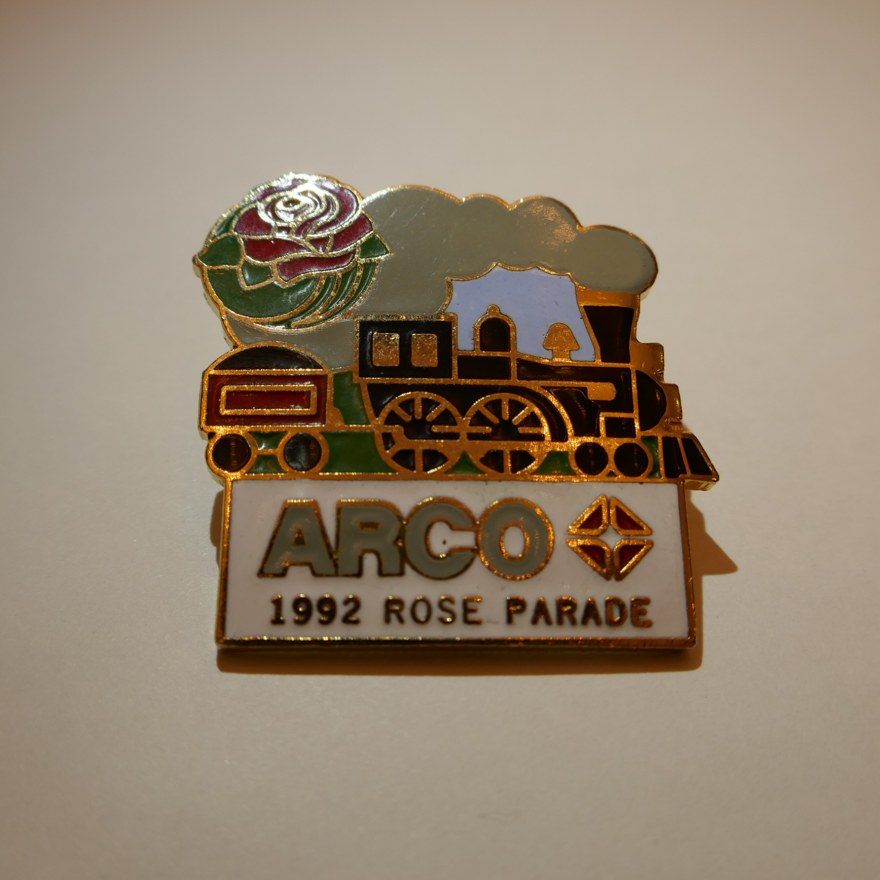 ARCO 1992 rose parade pins