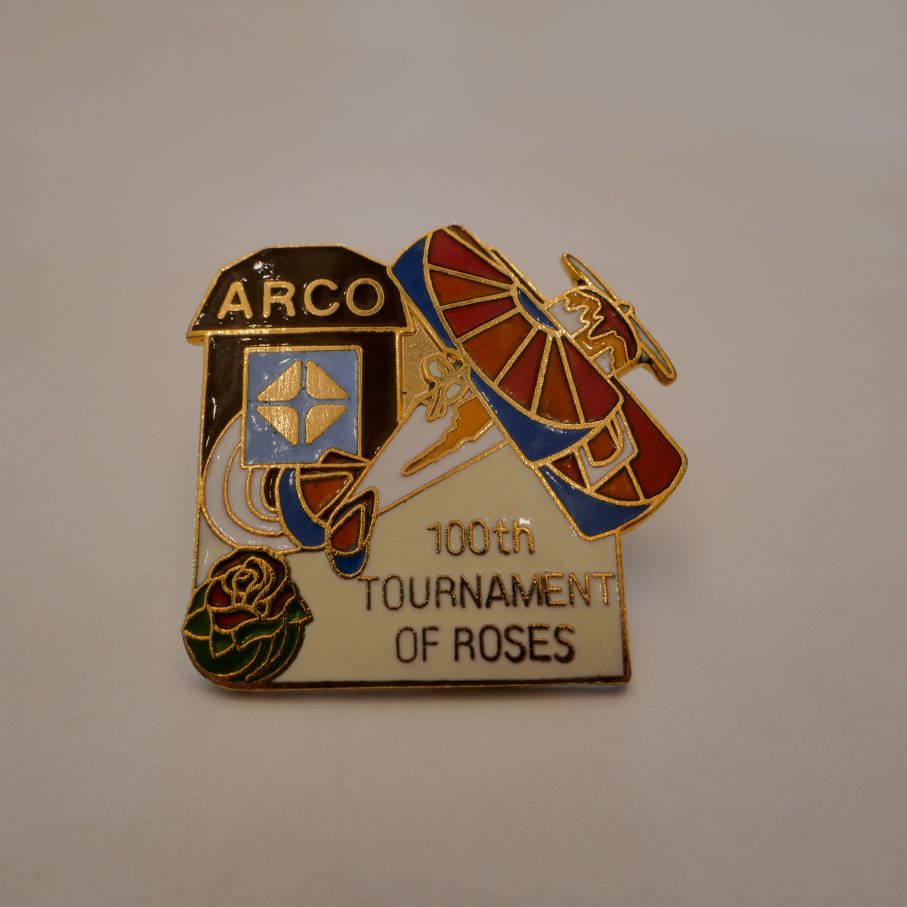 ARCO 100th TOURNAMENT OF ROSES pins