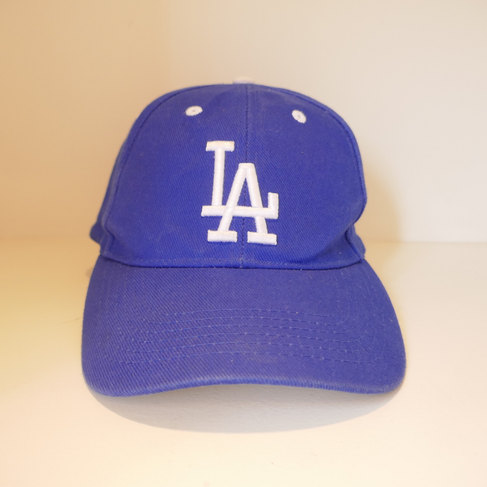 USED LA DODGERS CAP BLUE
