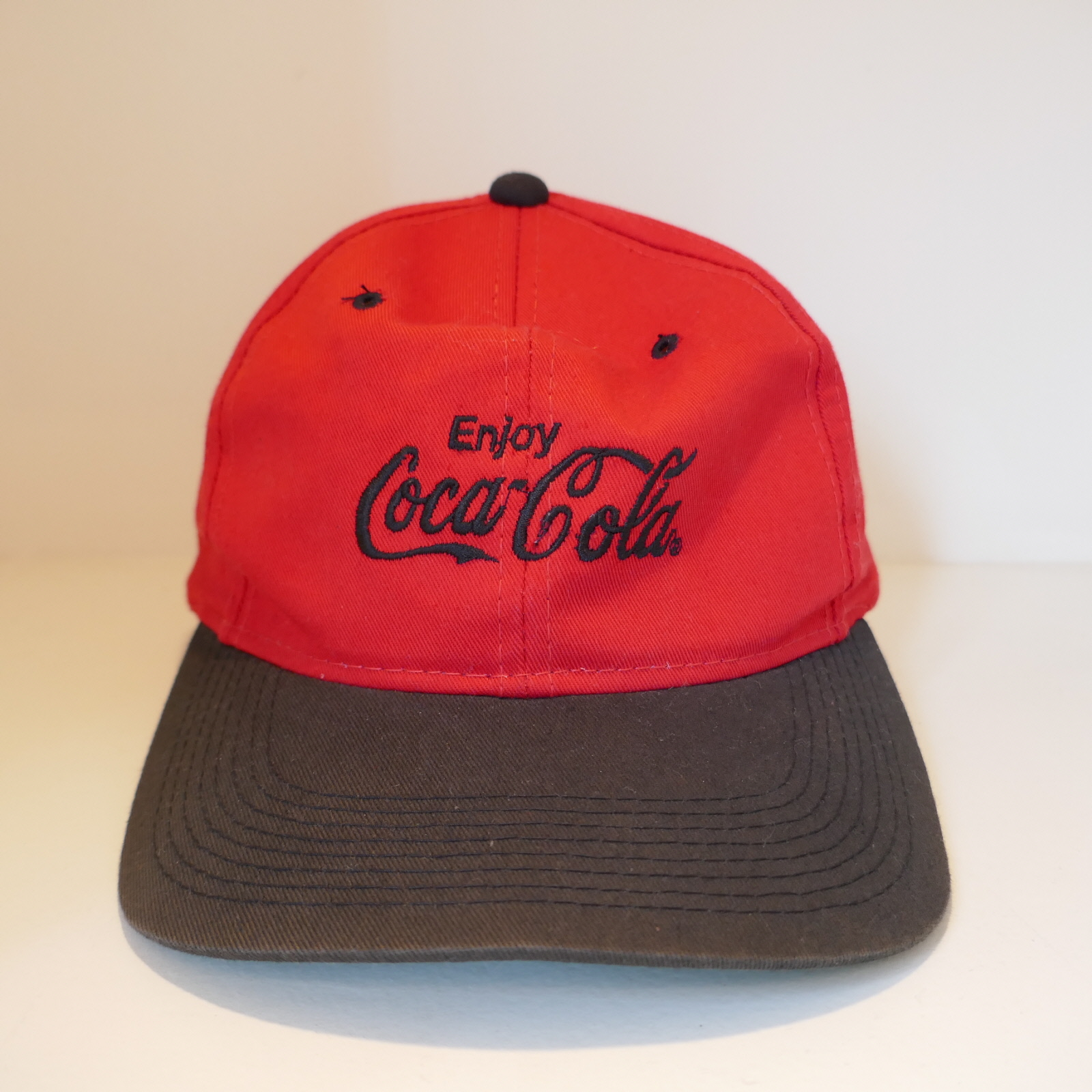 USED COCA COLA CAP RED×BLACK